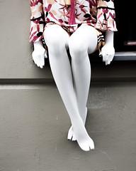Everybody must have a fantasy - Andy Warhol (Livietta) Tags: manichino mannequinn vetrina berlino hackesischer gambe legs
