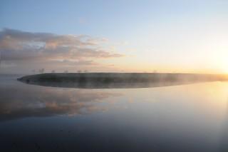 Sonnenaufgang an der Alten Treene-Schleife in Süderhöft; Nordfriesland (20a)