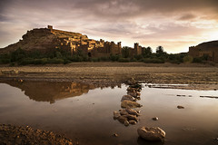 Aït Benhaddou (carlos.aantunes) Tags: berber architecture morocco marrocos clay town village fortified unesco heritage world wonders amazing sunrise sunset landscape africa north atlas travel canon travelphotography travelphotographer rocks river foregroung clouds gladiator babel game thrones