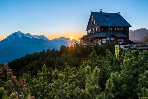 Wiechenthaler Hütte am Steineren Meer at sunset