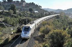 """Un 130 """"Patito"""" por el Papiol (Andreu Anguera) Tags: 130 patito alvia baixllobregat catalunya andreuanguera"""