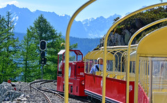 Au départ des Montuires (Diegojack) Tags: finhaut valais suisse train panoramique montagne abrupte emosson verticalp