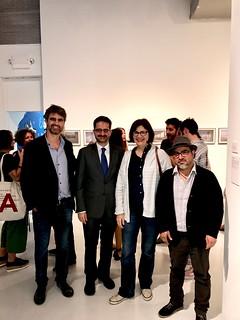 Artist Ronald Moran (with hat) with cue Director Curro Tardio, Spanish Consul Santiago Cabanas, and  Venezuelan artist Patricia Van Dalen