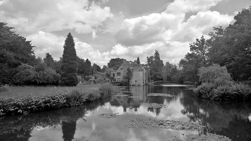 Scotney Castle 4 June 2017 034bw