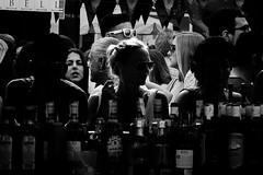 Bar (hernanpba) Tags: barra bar blancoynegro feria fiesta alcohol bebidas botellas chica contraste blackandwhite fair party drinks bottles contrast girl photo photography foto fotografía imagen image pic photographer fotógrafo hernanpiñera