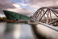 Nemo (Fabien Georget (fg photographe)) Tags: nemo bridge pont waterscape cityscape june holland musée longexposure landscape paysage sky ayezloeil beautifulearth bigfave canoneos600d canon elitephotography elmundopormontera eos fabiengeorget fabien fgphotographe flickr flickrdepot flickrunited georget geotagged flickunited longue mordudephoto paysages perfectphotograph perfectpictures wondersofnature wonders supershot supershotaward theworldthroughmyeyes shot poselongue photography photo greatphotographer french touch monument bluehour slowshutter blue hour heure bleue amsterdam eau paysbas