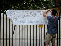 Anglų lietuvių žodynas. Žodis extremist reiškia n ekstremistas lietuviškai.