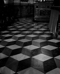 Zamora (manomesa) Tags: b y n suelo arquitectura catedral iglesias altamayor fujixpro1