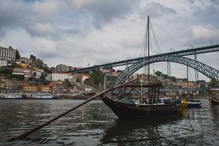 Bajo el Ponte Luis I. Porto. Portugal