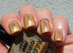 Bornpretty Heart of Gold (Simona - www.lightyournails.com) Tags: holographic gold bornprettystore esmalte smalto vernis manicure unghie nails nailpolish nagellack naillacquer nailswatch