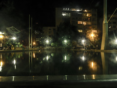 Luces (@anthonycamargo7) Tags: lineas luces light colors color noche urban urbano calle street night plaza agua water arquitectura caracas edificio fotografía photography architecture