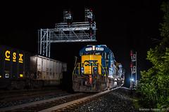 CSX GP39-2 in Columbus, Ohio (Brandon Townley) Tags: trains railroad night strobe csx reading delawarehudson flash coal signals