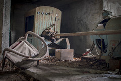 Broken chair (onikoroshi5959) Tags: okutama ropeway haikyo chair tokyo japan japaneselife giappone landscape holiday machine rust 35mm 35mmphotography nikon nikond5500