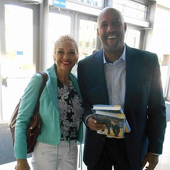 Kareem Abdul-Jabbar UCLA booksigning (BellaGaia) Tags: abduljabbar legend athletes ucla bruins bruin pauleypavillion