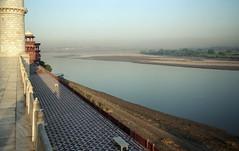 Agra - Taj Mahal - Yamuna River
