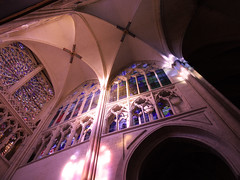 Rayonnement divin (François Tomasi) Tags: cathédrale tours touraine indreetloire villedetours yahoo google flickr pointdevue pointofview pov françoistomasi colors color couleurs couleur nikon reflex france europe lumières lumière lights light photo photographie photography angle mai 2017