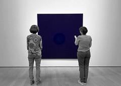Die Betrachterinnen (Niwi1) Tags: kunst ausstellung museum damen art exhibition viewer observer ladies watching