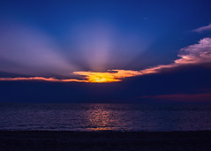 Sun and Clouds Sunset (Daveyal_photostream) Tags: d600 nikon nikor nature dusk ocean clouds sunset sunsetting sun suinrays awesome anawesomeshot meandmygear mygearandme mycamerabag motion movement beautiful beauty beach capemay seascape horizon water sky sea sand shore sunreflection
