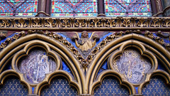 Sainte-Chapelle, angel with crowns