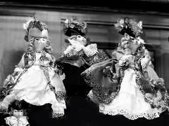 venezia quattro gatti (Izzy's Curiosity Cabinet in Venice Mood) Tags: venise venezia venedig venice cat chats vitrine shopwindow marionette puppet