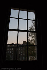 IMG_9522 (redrospective) Tags: 2017 20170406 april2017 london theroundup theroundup3 architecture concert concertphotography dusk gig houses live music musicphotography people street streetsoflondon window