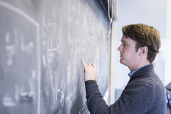 MCS_MR_Quantathon_2017_4989 (CMUScience) Tags: mcs mr quantathon students math physics po classrooms chalkboard collaboration groupwork diversity