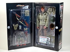 """Movies (Dramas) & Toys – COMBAT! – Dragon Cyber Hobby Exclusive – 1/6 WWII ETO (European Theatre of Operations) 1944 – U.S. Army Squad Leader """"Sarge"""" – Sgt. Saunders – Contents (My Toy Museum) Tags: movie drama series tv toys dvd dragon cyber hobby us wwii sgt saunders combat action figure"""