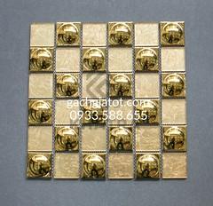 Gạch mosaic vàng vuông tròn