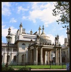 Brighton Pavilion (Carlos Lubina) Tags: hasselblad brighton pavilion 500elm carlzeissplanar8028 provia100
