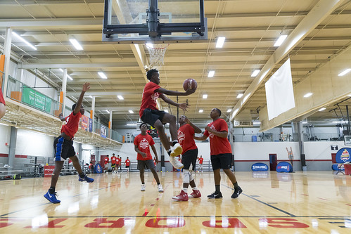 """170610_USMC_Basketball_Clinic.548 • <a style=""""font-size:0.8em;"""" href=""""http://www.flickr.com/photos/152979166@N07/35158578961/"""" target=""""_blank"""">View on Flickr</a>"""