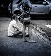 Sentado a beira  do caminho / Sitting by the wayside (jadc01) Tags: nikon1855mm petrópolis people streephotography blackandwhite blackwhite monochrome