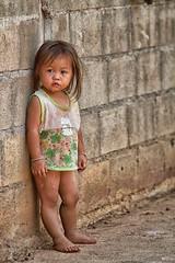 piccolo angelo (mat56.) Tags: ritratto ritratti portrait portraits bambina bimba girl child baby etnia ethnicity mon banmong thailandia thailand asia persone people antonio romei mat56 little angel