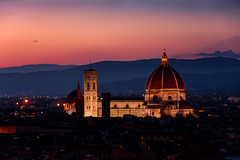 Santa Maria Del Fiore - Firenze (Florence) (andrebatz) Tags: florence firenze duomo santa maria del fiore tuscany toscana sunset italy italia red skies night travel landscape medieval baroque ghotic unesco famous assasian´s creed filippo brunelleschi sightseeing piazza michelangelo miguelangelo beautiful nikon d7100 sigma lens skyline nightfall citta