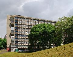 Urban walk 20 May 2017: Lewisham to Mile End 54 (neil mp) Tags: london towerhamlets poplar e14 robinhoodgardens alisonandpetersmithson smithsons architecture brutalism modernism concrete bétonbrut c20 twentiethcenturysociety housing