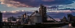 La fábrica de cemento. (M.L.C.*) Tags: cementos fabricas industrial arquitectura zona cementera
