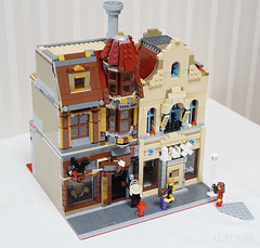 lego10232 alternative build(2) (InyongLee) Tags: lego lego10232 10232 palacecinema steampunk alternativebuild 10232alternativebuild 10232alternate legomodular building legobuilding lightshop