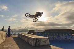 bmx-skatepark-cimadevilla-elogio-cerro-santa-catalina-gijon-asturias-deporte-sport-bowl-fly-air-freestyle-014 (coudlain) Tags: bmx deporte sport gijon asturias skatepark skateparkgijon cimadevilla elogio cerrosantacatalina freestyle bowl fly air truco bunnyhop barspin manual superman bicycle motocross bicicleta extremo xtreme street