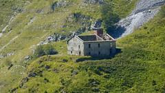 Casa dei Pisani. (pietroguidetti) Tags: pisani apuane ruderi cave sentiero38 luccica