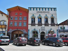 Leavenworth, Washington (Jasperdo) Tags: leavenworth washington roadtrip touristtown bavarianvillage building architecture