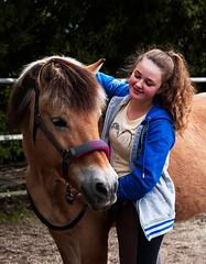 GW_EOS-6d_2017_05_20 15_39_02_Sina_IMG_7222 (gerhard.werz) Tags: gerhardwerzfotograf 2017 201705 sina pferd mädchen jungefrau