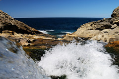 Bientôt le grand bain (Cédric Darrigrand) Tags: jaizkibel promenade espagne water euskadi océan atlantique