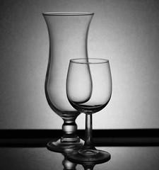 Trasparenza (~Miel) Tags: esperimento esercizio bicchieri calici vetro biancoenero nikkor nikkor50mm nikond5200 nikon noperson trasparenza set chalices glass transparency blackandwhite riflesso reflection