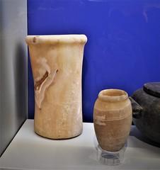Anglų lietuvių žodynas. Žodis alabaster reiškia n alebastras; gipsas lietuviškai.
