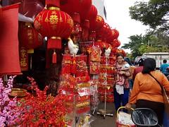 Lantern Seller (Black_Claw) Tags: chinese chinesenewyear chineseornament ornament lamp lampion street seller indonesia jakarta centraljakarta sincia culture people human person samsunggalaxys7edge samsunggts5360