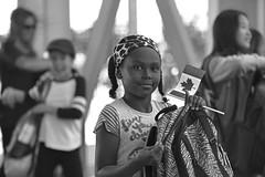 trecce (blues.ky) Tags: streetphotography biancoenero bw blackandwhite sorriso smile little flag bandiera bandierina celebration compleanno birthday anniversario anniversary canada150 bambinacanadese canadiankid canada bimba kid girl bambina