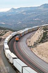 2014-12-20 Cajon Pass Summit CA BNSF6936 ES44C4 (maximaguy97) Tags: locomotive ge generalelectric gevo es44c4 bnsf bnsf6936 cajonpass summit california intermodal