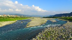 Cold water from the mountains of Taiwan (葉 正道 Ben(busy)) Tags: river 大甲溪 creek 溪 stream 溪流 landscape 風景 水 water 天空 sky taichung taiwan 藍色 blue dajiaˍcreek 自然 nature
