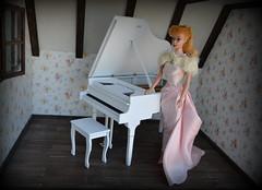 Piano and vintage Barbie (pe.kalina) Tags: barbie vintage piano miniature dollhouse mattel handmade doll blythe momoko