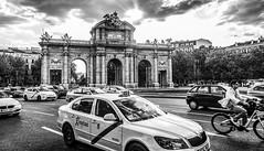 Puerta de Alcalá, Madrid (danperezfilms) Tags: puertadealcalá madrid spain espana españa architecture blackandwhite travel streetphotography