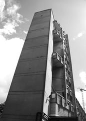Urban walk 20 May 2017: Lewisham to Mile End 56 (neil mp) Tags: london towerhamlets poplar e14 robinhoodgardens alisonandpetersmithson smithsons architecture brutalism modernism concrete bétonbrut c20 twentiethcenturysociety housing blackandwhite bnw monochrome